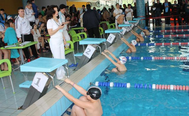 Agim Çiraku, një notar që e njeh notin